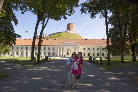 Vilnius 2015 Mor Dotter Framför Övre Slottet